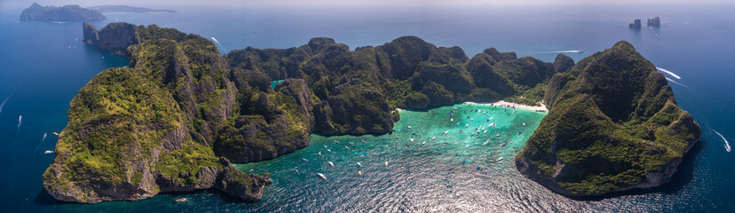 Tourist Boats In Busy Maya Bay, Phi Phi Islands, Thailand, High Aerial Panorama Fototapete