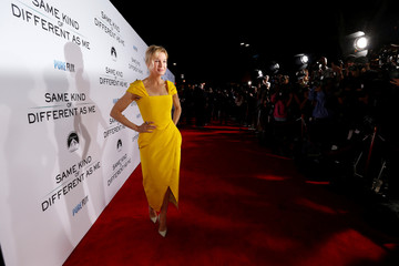"Cast member Zellweger poses at the premiere for ""Same Kind of Different as Me"" in Los Angeles"