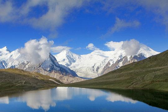 Rush Lake Trekking in Pakistan