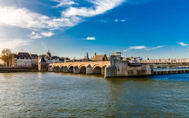 Sankt Servatiusbrücke in Maastricht