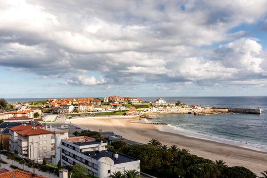 Vista de la playa de comillas