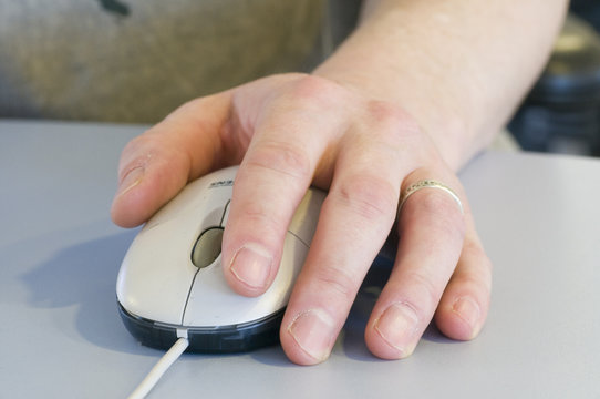 Mouse being used left handed