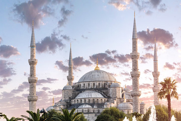 The Blue Mosque or Sultanahmet Camii in Istanbul at sunset