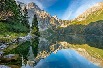 Fototapeta Tatra mountains, Morskie Oko lake, fall morning, Poland obraz