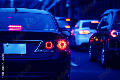 夜の道路 交通イメージ