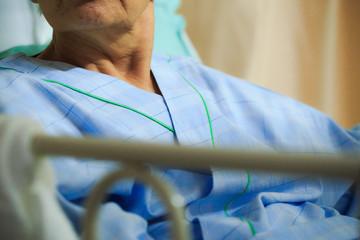 高齢者女性の入院