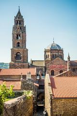 Vue sur la Cathédrale Notre-Dame-du-Puy