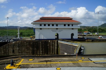 Panama Canal, Miraflores Locks area