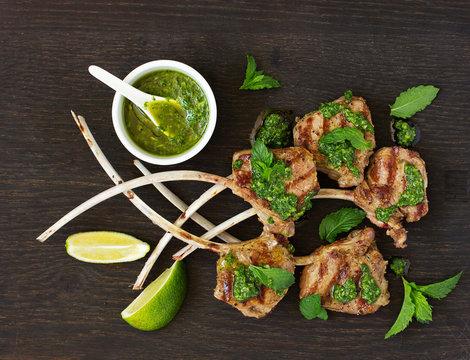 Lamb chops on bone, with mint-garlic sauce