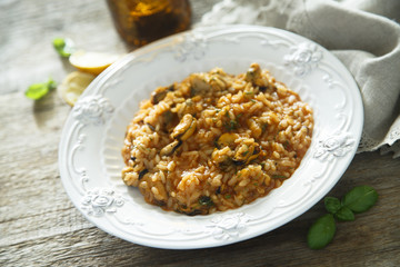 Mussels risotto with tomatoes