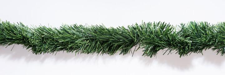 Grüne Weihnachtsgirlande