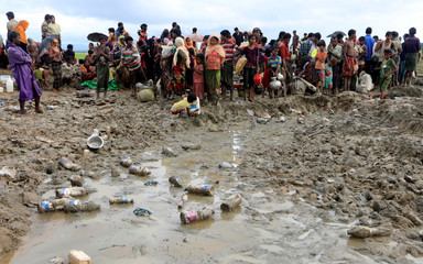 Rohingya refugees continue their way to camps in Palang Khali, near Cox's Bazar