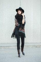 Outfit inspiration - western styling with pancho and cowboy hat