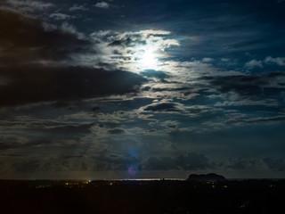 moon light to the sea