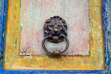 Fototapete - Old Door and Door Knocker