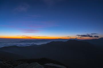 蓼科山からの日の出