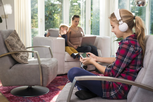 Young family online internet addiction