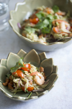 Thai mango salad with cashew nuts