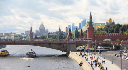 MOSCOW, RUSSIAN FEDERATION: View on river, the Stone bridge and the Kremlin, 15 September 2017