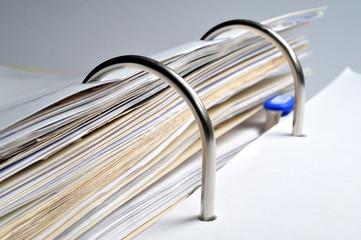 Ordner, Akte, Dokumente, Papiere, Bürokratie, Archiv, Registratur, Kataster, Verwaltung, Behörde, Büro, Schriftgut, Aufbewahrungsfrist, Dokumentenmanagement, Dokumentation, Ablage,
