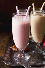 Date and strawberry milkshake