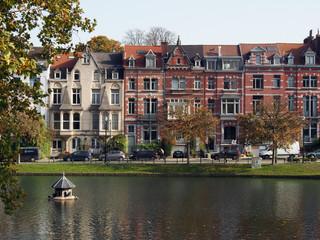Brüssel: Alte Stadtvillen am Park