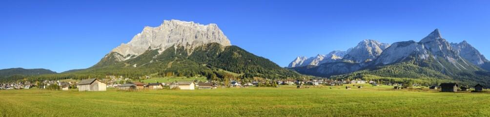 Wall Mural - Gipfelwelt rund um Ehrwald im Tiroler Außerfern