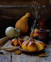 Autocollant pour porte Fleur Sesame seeds fall on pumpkin bread