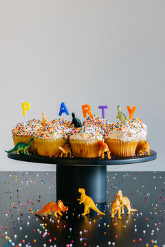Party Cupcakes + Dinosaurs
