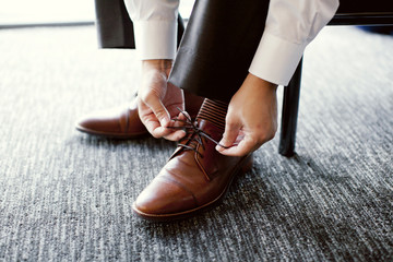 Tying Shoe Strings