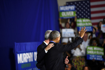 Former president Barack Obama rallies with New Jersey Democratic Gubernatorial candidate Jim Murphy in Newark