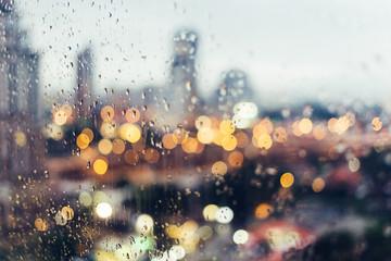 evening light rain bokeh