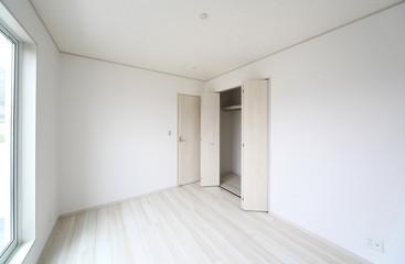 住宅 洋室と クローゼット 施工例