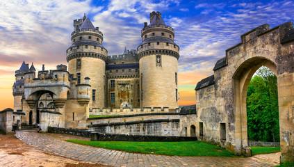 Famous french castles - Impressive medieval Pierrefonds chateau. France Fototapete