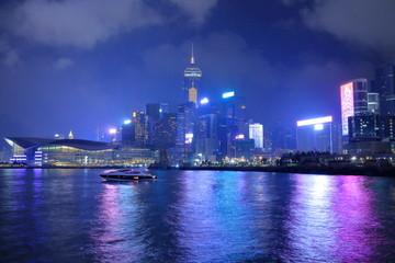 夜の香港島埠頭