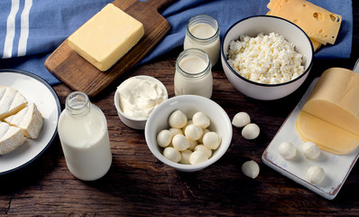 Foto op Textielframe Zuivelproducten Dairy products on wooden background.