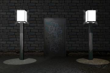 beschmierte Tür in einer mauer mit Straßenlampen an den Seiten