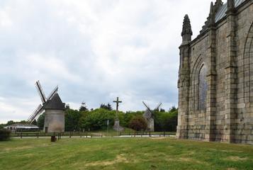 Foto auf Gartenposter Mühlen Vendée, Les Herbiers, le mont des Alouettes, site historique
