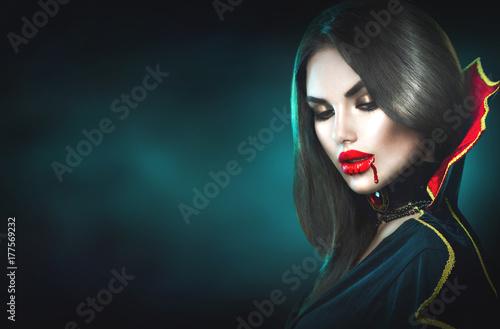 Halloween Fotowand.Halloween Sexy Vampire Woman With Dripping Blood On Her