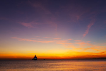 gün batımında deniz manzarsı