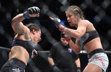 MMA: UFC Fight Night-Gdansk-Kowalkiewicz vs Esquibel
