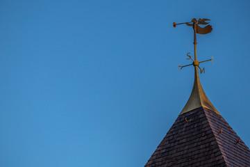 Spitze eines Turmes am Kloster Sainte Odile in den Vogesen im Elsass