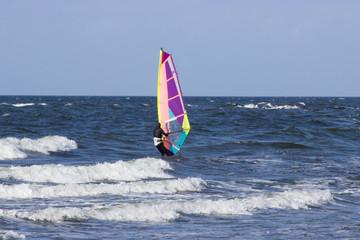 surfer windsurfer an der ostsee