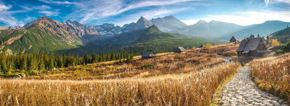 Hala Gąsienicowa w Tatrach, pora roku - jesień