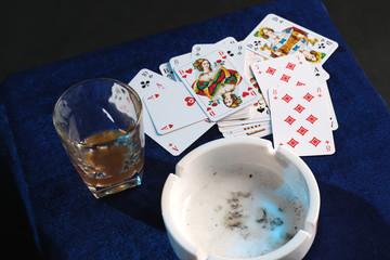Whiskyglas Kartenspiel Aschenbecher