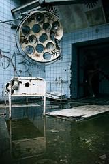 Photo sur cadre textile Ancien hôpital Beelitz Verlassener Horror OP-Saal im ehemaligen Krankenhaus