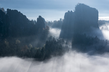 Fog in the rocks