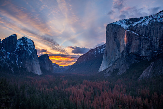 firefall in Yosemite Valley during sunset