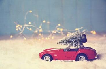 Weihnachtskarte - Auto mit Weihnachtsbaum