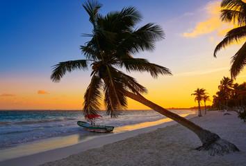 Fototapete - Tulum beach sunset palm tree Riviera Maya